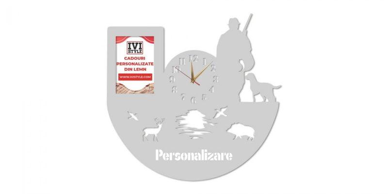 Ceas-pentru-Vanatori-cu-Rama-foto-Personalizat-gri