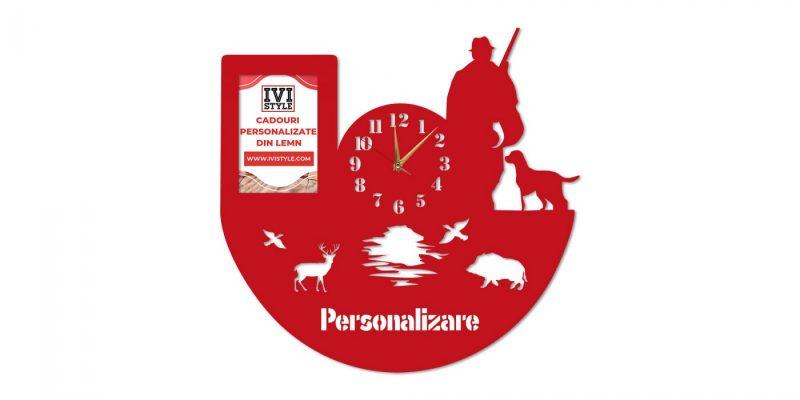 Ceas-pentru-Vanatori-cu-Rama-foto-Personalizat-rosu