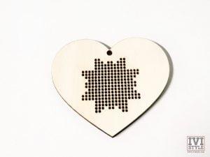 blank din lemn pentru brodat inima 01