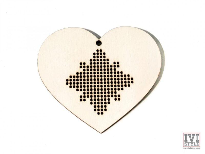 blank din lemn pentru brodat inima 02