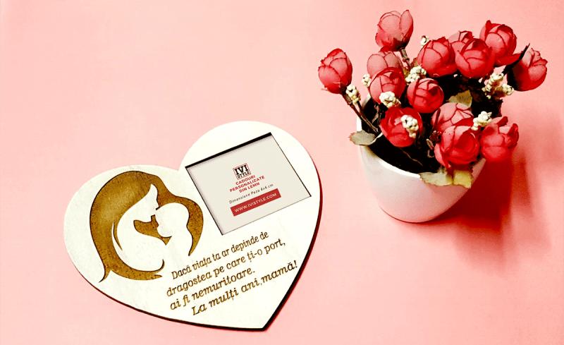 cadou personalizat mama 8 martie fb