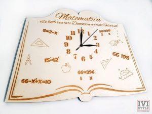 ceas-pentru-profesorii-de-matematica