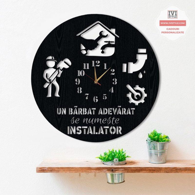 ceas-instalator-personalizat