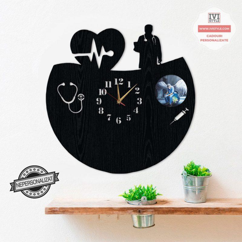 ceas-personalizat-cu-poza-pentru-medic-03