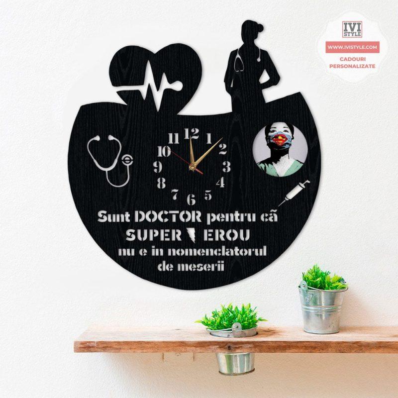 ceas-personalizat-cu-poza-pentru-medic-04
