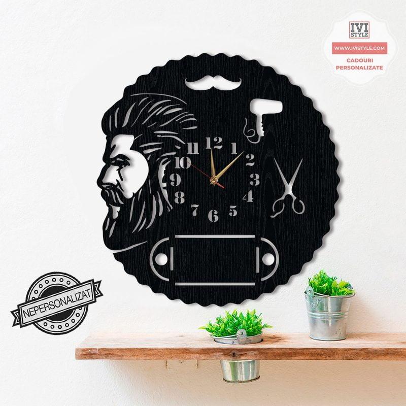 Ceas-Barbershop-Personalizat-02-Lemn